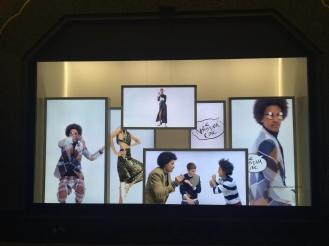 Vitrine #LeNouveauChic Galeries Lafayette