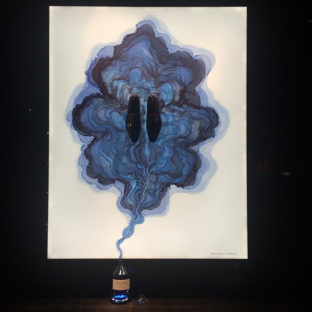 Vitrine Berluti Tobias Tovera bleu