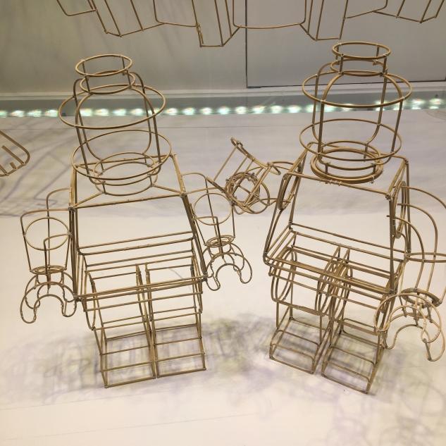 Détail A good Trip - Vitrine d'Ai Weiwei au Bon Marché